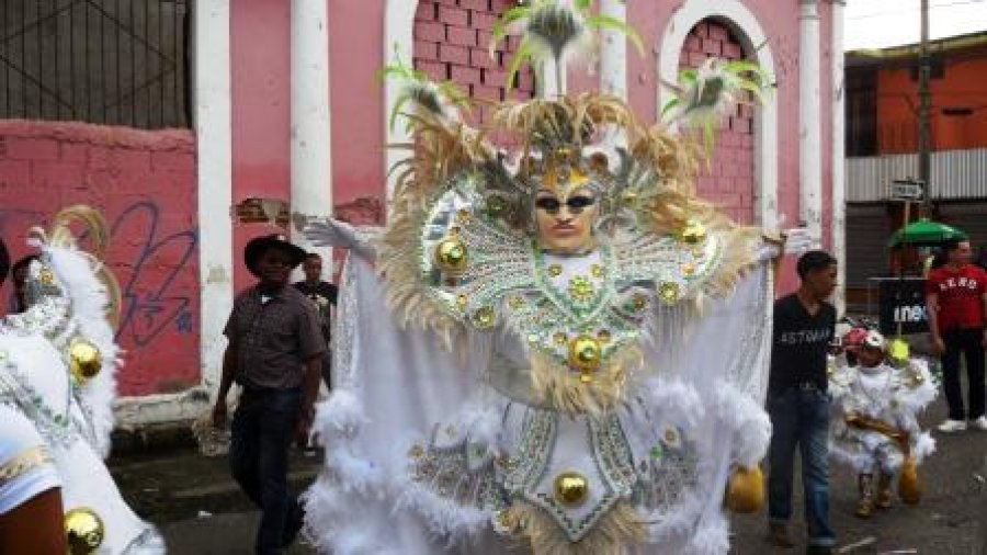 Carnaval White Gold Costumes